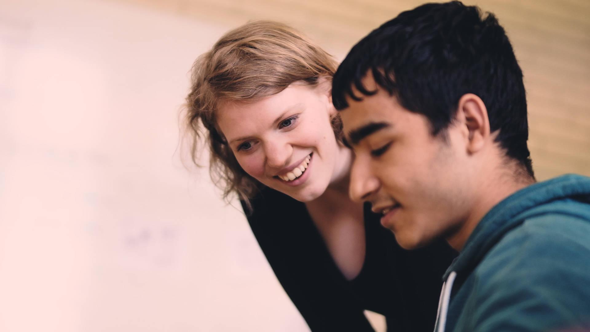 Pressefoto Fellow mit Schüler